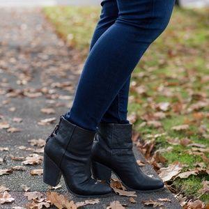 ⬇️ Rag & Bone Newbury Ankle Bootie Black